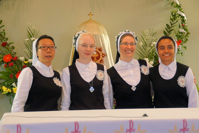 Daughters of Divine Charity Novitiate and Vows Aug16