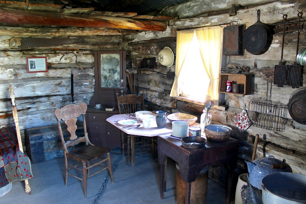 One Room Log Cabin right side interior This primitive di Flickr