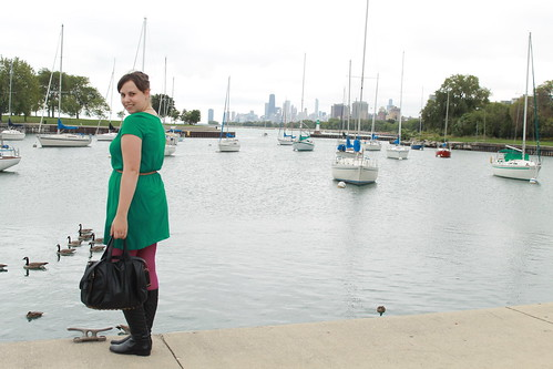 Chicago outfit: magenta tights, Corso Como quilted leather boots, kelly green jersey dress, Calf-hair leopard belt, teal velvet blazer, studded bag | by Célèste of Fashion is Evolution