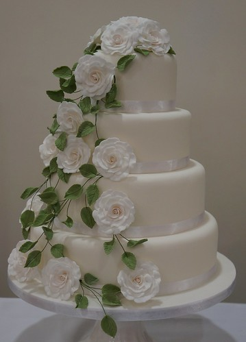 Cascading White And Green Leaf Wedding Cake Hannah Charlesworth Flickr