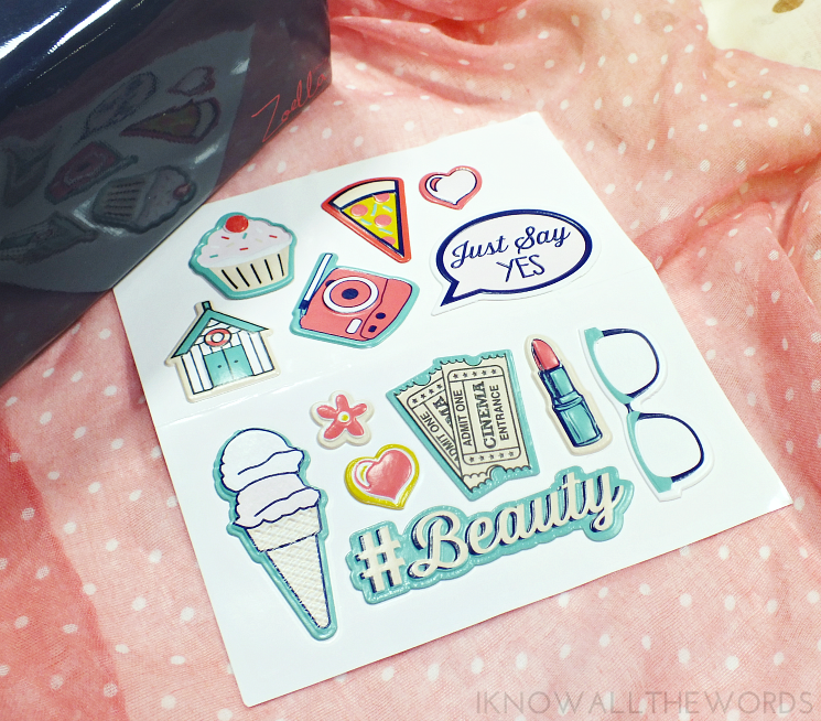 zoella beauty sticker me beauty bag (1)