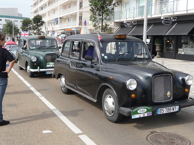arrival of our taxis on the embankment of sables d 39 olonne flickr photo sharing. Black Bedroom Furniture Sets. Home Design Ideas