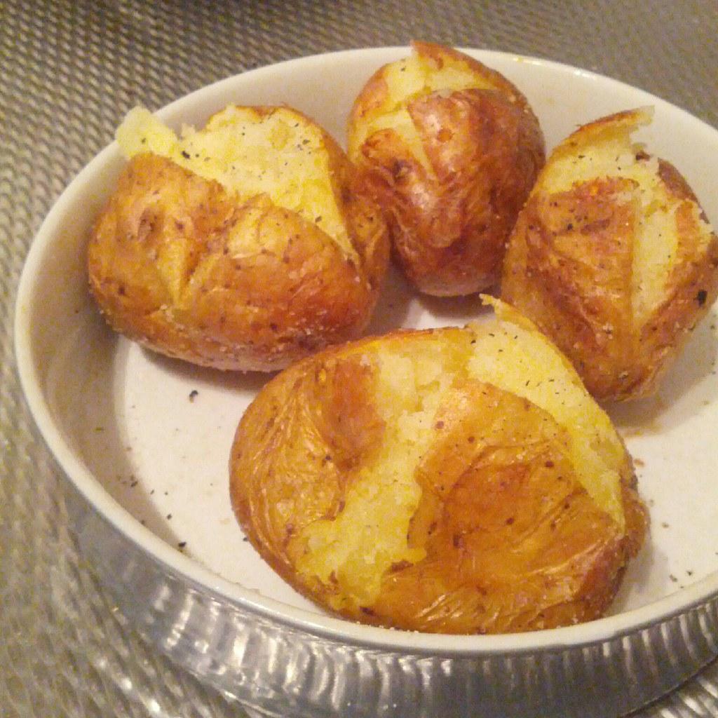 Как приготовить в микроволновке картофель в мундире в