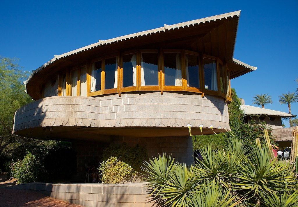 The david gladys wright house of the 532 buildings for Frank lloyd wright buildings