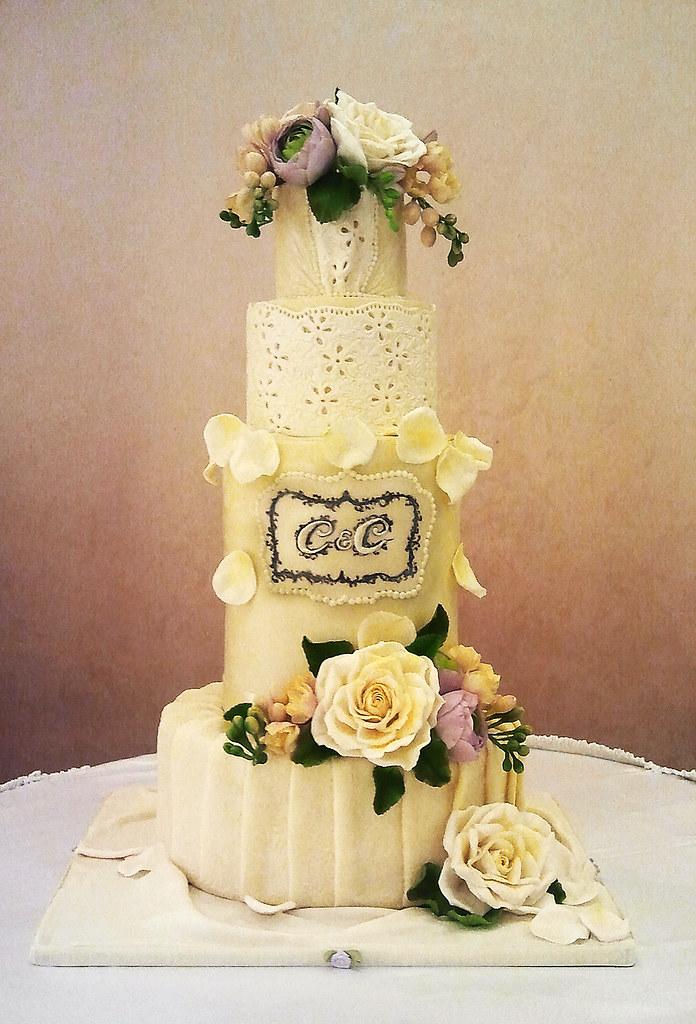 Vintage wedding cake | Anna | Flickr