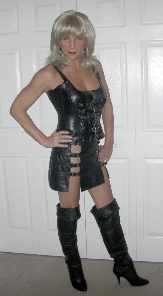 leather kinky