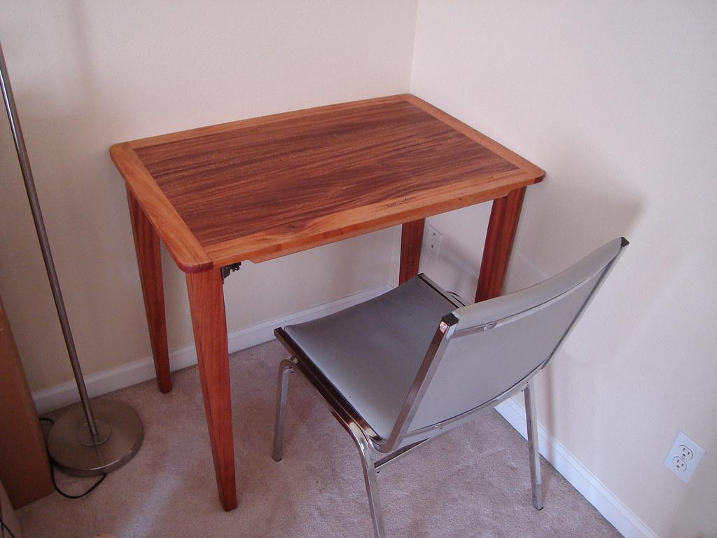Custom made folding field desk/table.   www.amfcustomworks ...