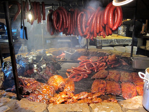 Texas - Driftwood: The Salt Lick BBQ - Barbecue pit | by wallyg