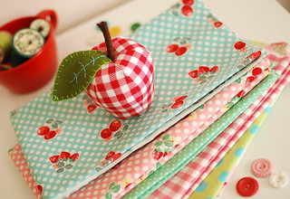 mini apple pincushion | by Retro_Mama