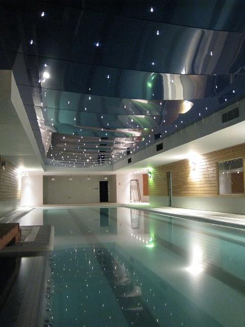 Dise o de piscinas modernas cubiertas flickr photo - Diseno de piscinas ...