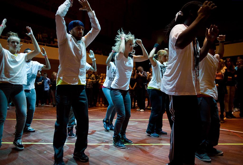 hip hop dance essays Hip-hop literature: the politics, poetics, and power of hip-hop in the english classroom  52 may 2013 hip-hop in my english classroom and curriculum.