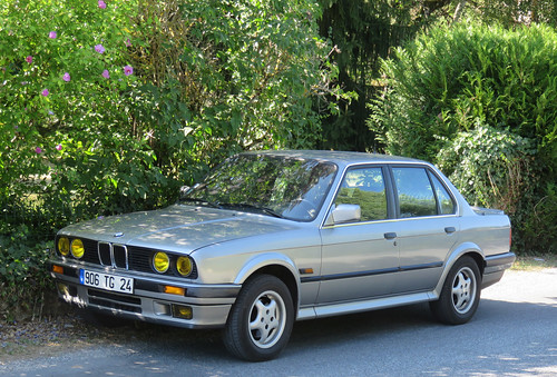 BMW 325iX | by Spottedlaurel