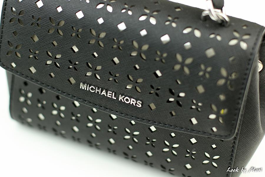 2 Michael kors ava laser-cut
