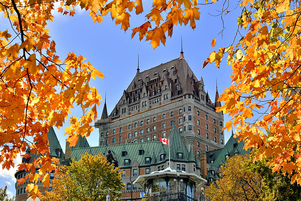 Chateau frontenac and canadian maple leaves quebec city for Prettiest places in canada