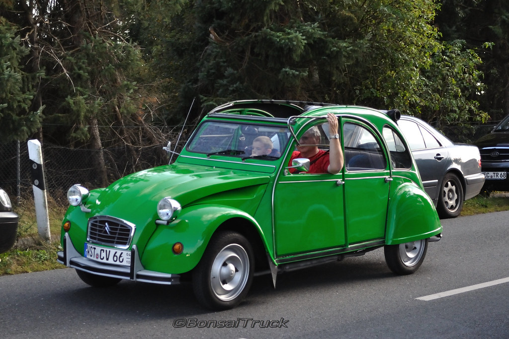 d citroen 2cv green bonsaitruck flickr. Black Bedroom Furniture Sets. Home Design Ideas