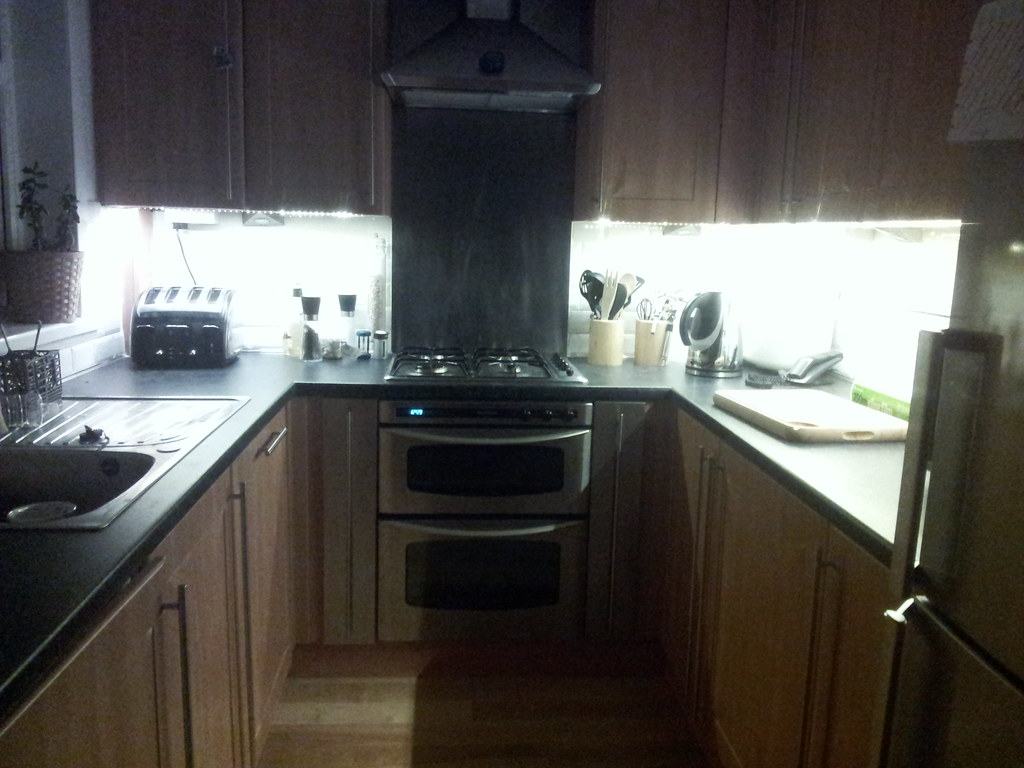 Kitchen Cabinet Lighting Ideas Pictures