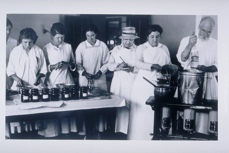 Canning Class At Connecticut Agricultural College