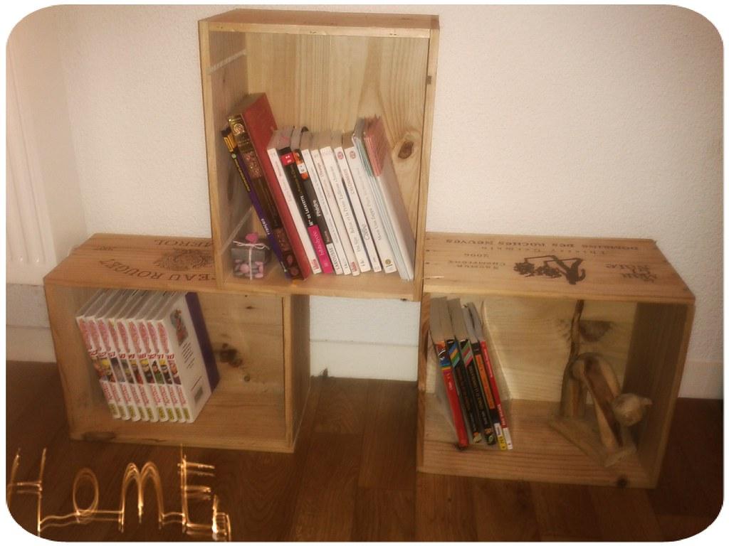 ma biblioth que fait maison avec des caisses vins flickr. Black Bedroom Furniture Sets. Home Design Ideas
