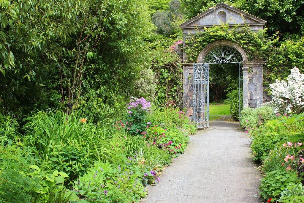 Ireland garinish ilnacullin garden walled garden gate for Irish garden designs