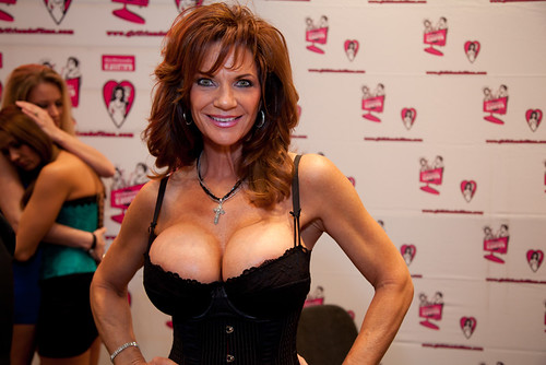 Deauxma | and what's going on behind Deauxma? drama... | Have_mercy ...