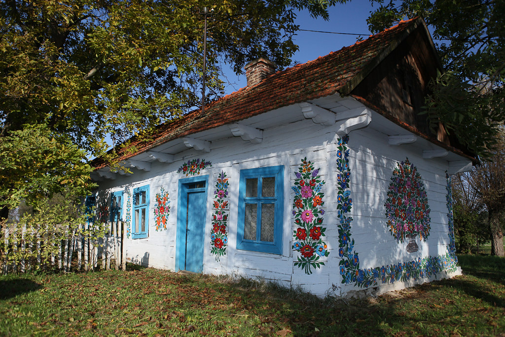 A little Village Zalipie in Poland will Flower up your Day
