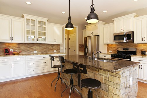 Holly Pointe 83 Kitchen The Grimmauld Elevation C
