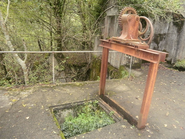 Maquinaria Antigua en la antigua central del eume
