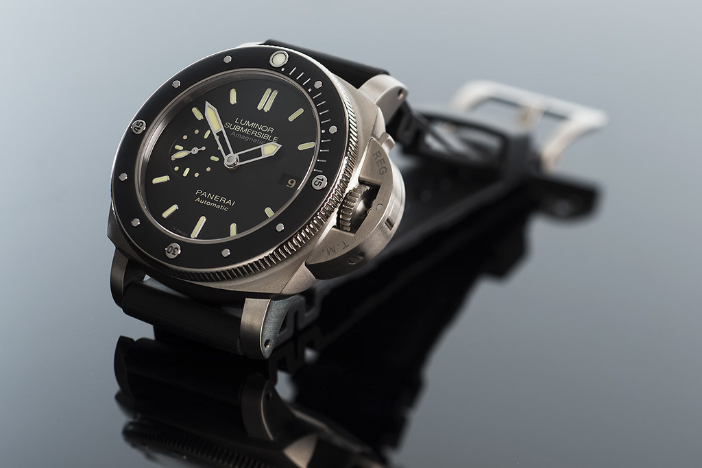84229fc93958 ... Panerai PAM389 Luminor Submersible 1950 Amagnetic 3 Days Automatic  Titanio - 47mm   by martin wilmsen