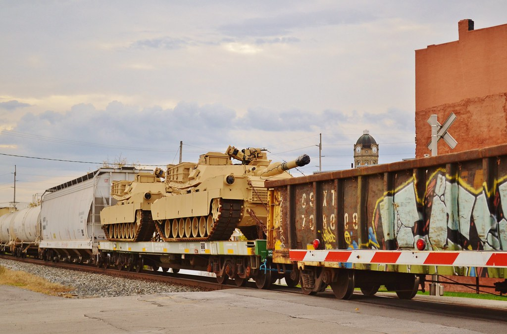 Abrams Tanks on a CSX train in Wapakoneta Ohio | Flickr - Photo ...