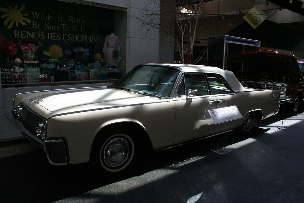 john f kennedy 39 s 1962 lincoln continental 86 convertible flickr. Black Bedroom Furniture Sets. Home Design Ideas