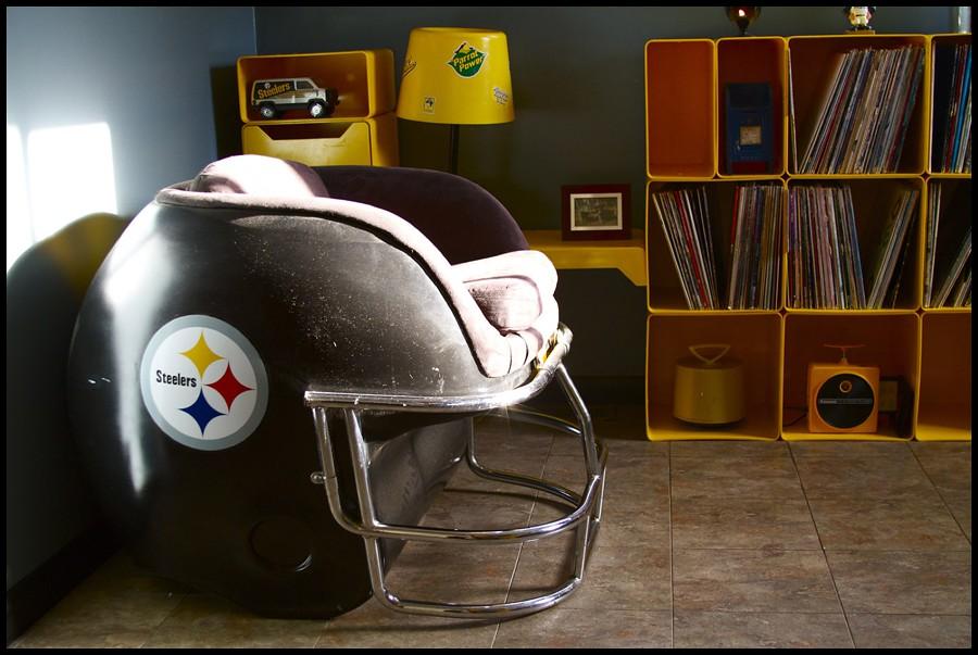 Helmet Chair | By Futureman3030 Helmet Chair | By Futureman3030