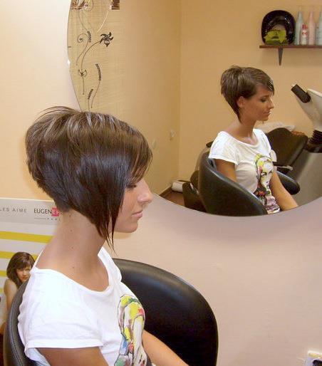 A Bob Corto Destrutturato Short Haircuts Women Flickr