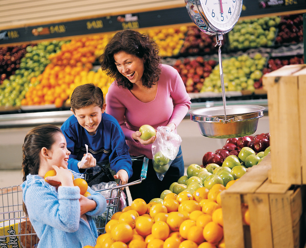 Grocery Shopping For Diet Foods