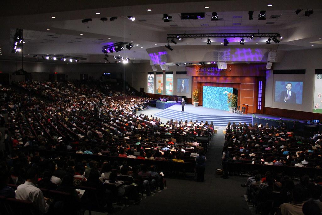 Predica dominical Iglesia Casa de Dios. Pastor Cash Luna