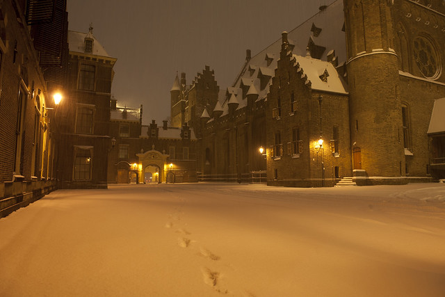 Binnenhof in de sneeuw   Flickr   Photo Sharing!