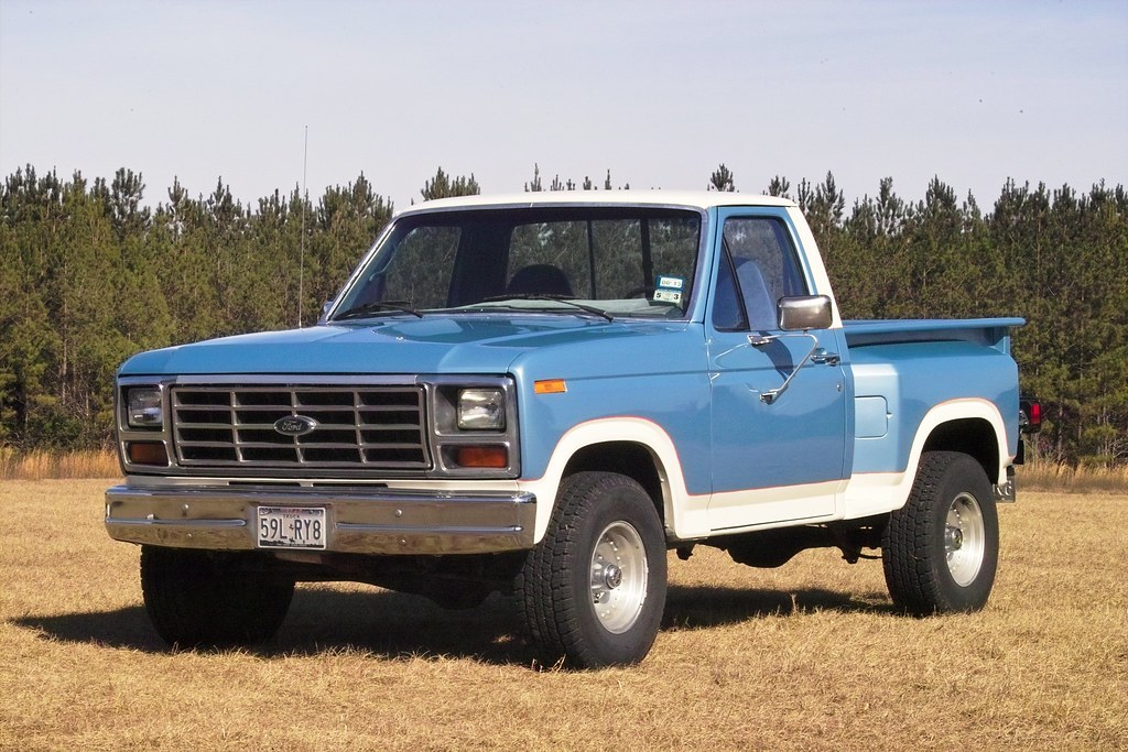 1983 f 150 blue white 05y 1983 ford f150 flareside 4x4 30 flickr. Black Bedroom Furniture Sets. Home Design Ideas
