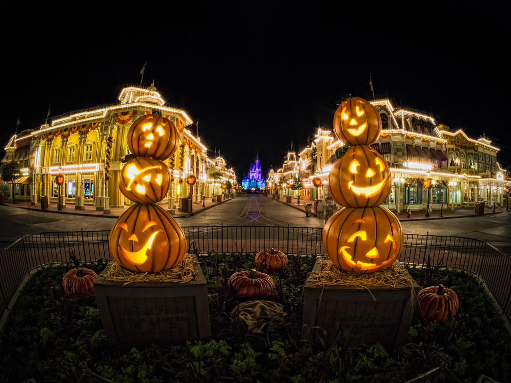 Halloween On Main Street While It Didn 39 T Really Feel