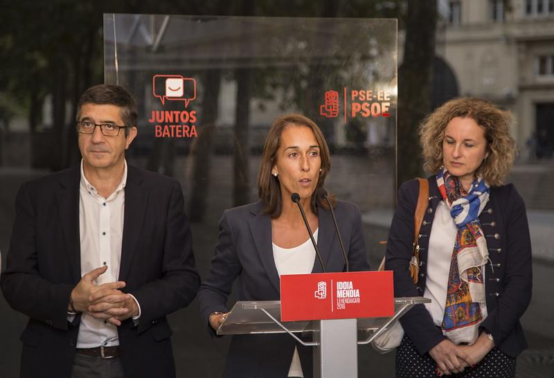 Patxi López y Natalia Rojo en Vitoria-Gasteiz