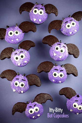 Itty-Bitty Bat Cupcakes | by Bakerella