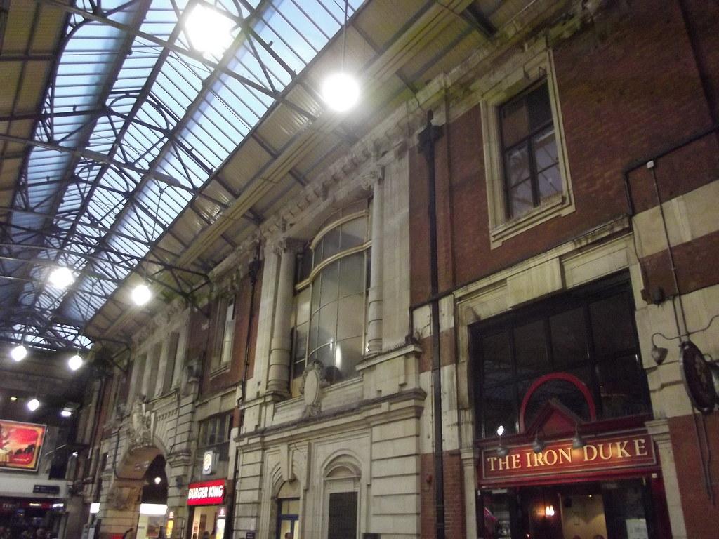 London Apollo Hotel