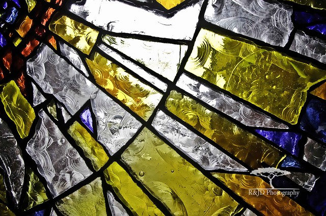 Front door stained glass ~ Anglican Diocese of Melbourne | 500 x 331 · 176 kB · jpeg