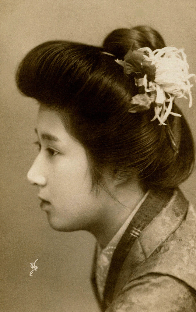 Sokuhatsu Hairstyle 1909 A Tokyo Geisha Wearing Her Hair