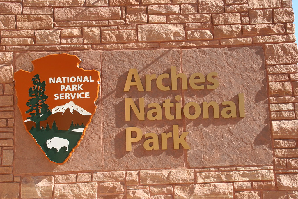Entrance Sign Arches National Park Utah Terry