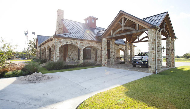 Timber frame home great room texas timber frames for Timber frame ranch homes