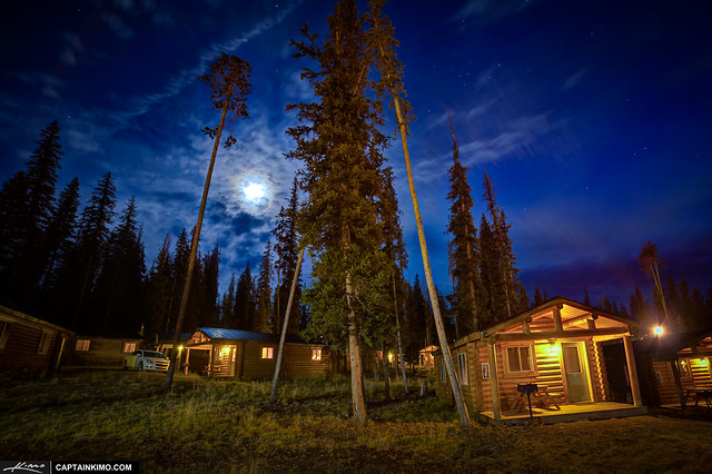 Wyoming-Cabins-at-Night-by-Grand-Teton-National-Park