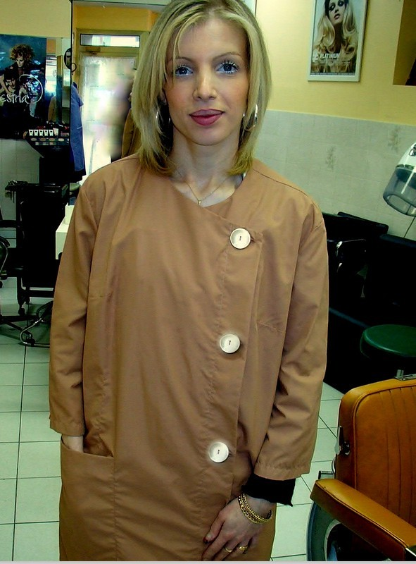 coiffeuse en blouse femme cardigan flickr