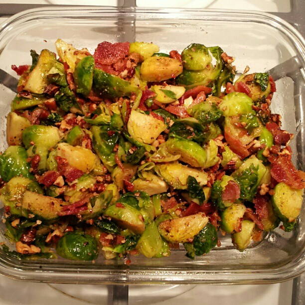 Oven roasted brussel sprouts with bacon, pecans and maple syrup ...