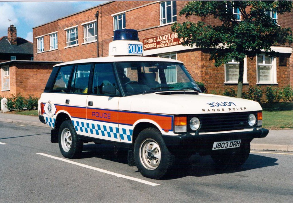 Old Police Cars >> Humberside Police Range Rover Traffic Car | One of the old ...