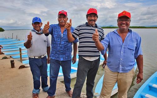 Entregan embarcaciones menores a pescadores de Sinaloa