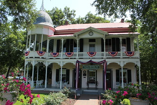 The Henderson Inn And Spa Resort
